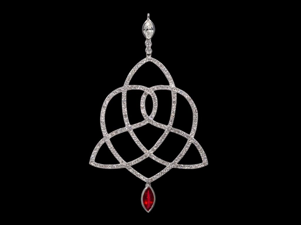 Dionea Orcini Jewelry Queen Boudicca